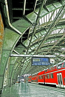 Ostbahnhof by Christian Behring