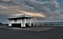Small shelter, Brighton by Simeon Jones