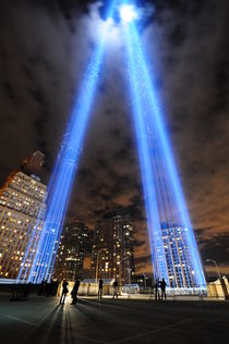Tribute in Light von Ronnie Peters