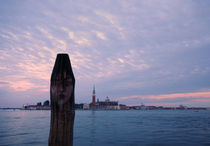 The face on the post, with San Giorgio Maggiore by Ronnie Peters