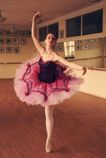 Dancing through the life  von Malgorzata Topolska