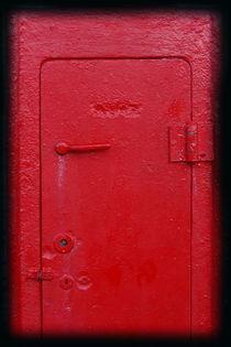 352-red-door