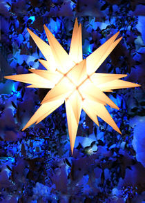 Blue Light Moravian Star von Deborah Willard