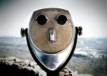Binoculars von Melanie Mayne