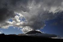 Wolkenstimmung am El Teide by ralf werner froelich