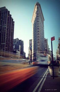 New York's Flatiron in Motion von Vlad Klikfeld