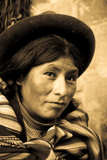 Quechua Woman Portrait von Russell Bevan Photography