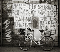 Graffiti and bycicle von RicardMN Photography