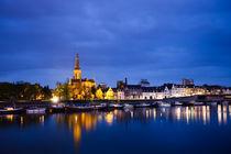 Maastricht-sint-martinuskerk-and-maas-river-fullsize