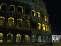 Il Colosseo by Raphael Temblador