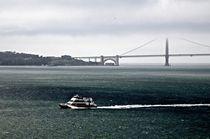 San-francisco-bw-golden-gate-boat