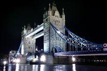 Tower Bridge,London by Gary Britton