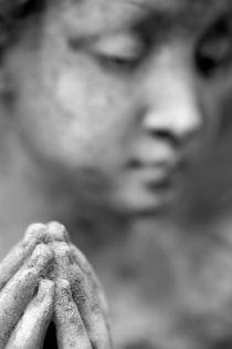 Statue with Hands in Prayer von Neil Overy