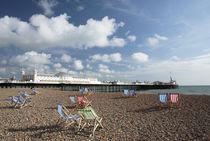 Deckchairs on Brighton Beach von Neil Overy