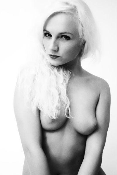 nude in public erotische photographie