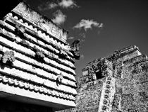 Magician's Pyramid, Uxmal von Noe Casas