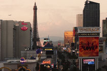 Sundown on Las Vegas Boulevard von Eye in Hand Gallery