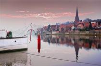 Stadtansicht mit Schiff by pahit