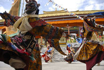 Tibetan dance, LEH, INDIA by Alessia Travaglini