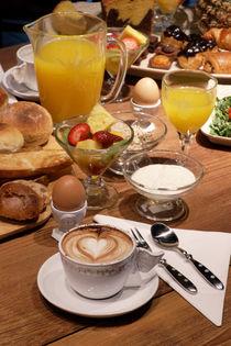 Breakfast by Carlos Filipe Flores