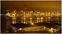 Habour in a foggy night von Sebastian Luedke