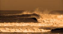 Really big waves by Adriana Schiavon