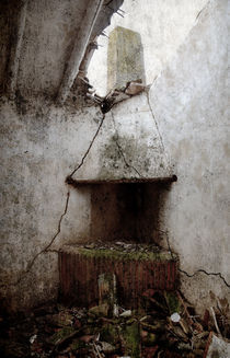 Abandoned little house 2 by RicardMN Photography