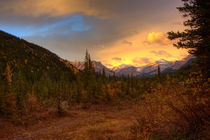 Autumn with the Mountains view. by Michael Latman