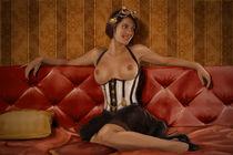 Frau auf Sofa 2 - Steampunk by Stephan Kuhn