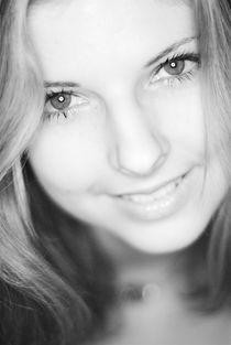 Lächelnd by Jürgen Keil