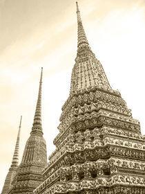 Chedi-Wat Pho-Bangkok by Mark Lucock