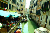 Venice-canals-gondola-day-view