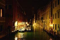 Venice-canals-houses-night-view