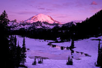 Sunrise at Tipsoo Lake von Danita Delimont