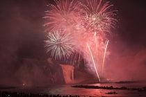 Fireworks at Parc de la Chute-Montmorency (Montmorency Falls Park) von Danita Delimont