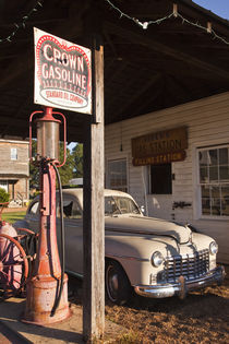 Old gas station exhibit von Danita Delimont