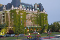 The Empress Hotel at the inner harbour in Victoria British Columbia von Danita Delimont