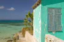 Old salt wearhouse and turquoise water von Danita Delimont