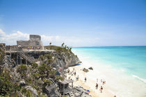 Mexico - Ruins on a hill overlooking a tropical beach von Danita Delimont