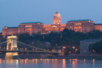 National Gallery & Danube River / Evening von Danita Delimont