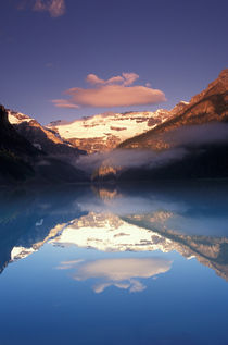 Lake Louise morning von Danita Delimont