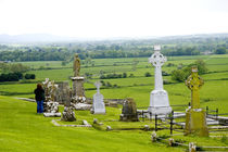 The dramatic Spectacle of the Rock of Cashel and it's gravesites von Danita Delimont