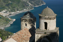 Ravello: View of the Amalfi Coastline from Villa Rufolo von Danita Delimont