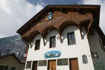 COURMAYEUR: Society of Alpine Guides Headquarters/ Winter(founded in 1859 is Italy's Oldest Guide Association) ? Walter Bibikow 20 von Danita Delimont