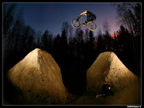 night jump 2 von Stephan  Sutton