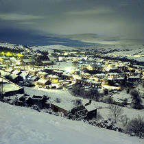 Mossley in the snow at night von John Kiely