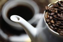 Bohnenkaffee by Falko Follert