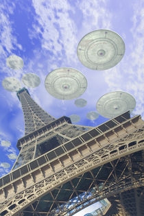 UFO over Paris by Luca Oleastri