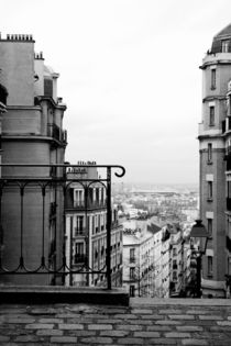 Paris by Lara Abrati