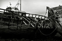 Old abandoned ships by RicardMN Photography